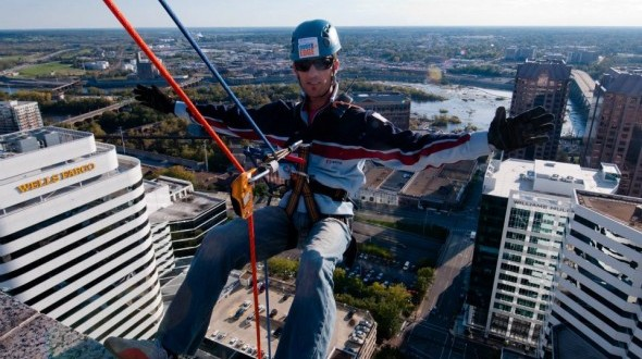 Over The Egde - Rappel the Suntrust Building for the Special Olympics