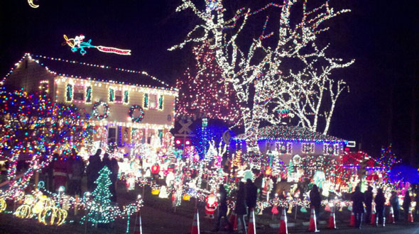 Tacky Light Tour in Richmond Virginia